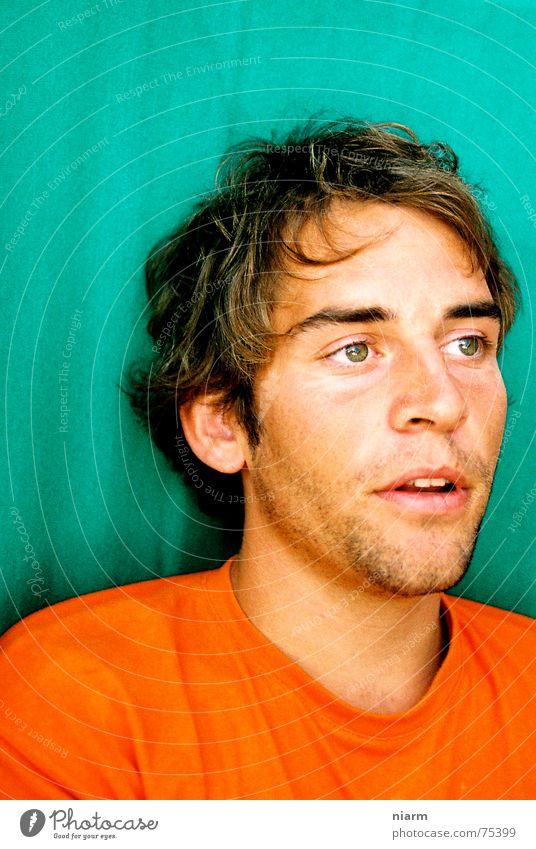 nicht wirklich, oder? Mann Jugendliche schön grün Gesicht Auge sprechen Denken orange Nase T-Shirt außergewöhnlich Bart Hemd türkis Gedanke