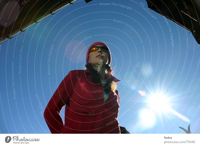Blendend Himmel Sonne Winter Berge u. Gebirge Coolness Pause Hütte Sonnenbrille