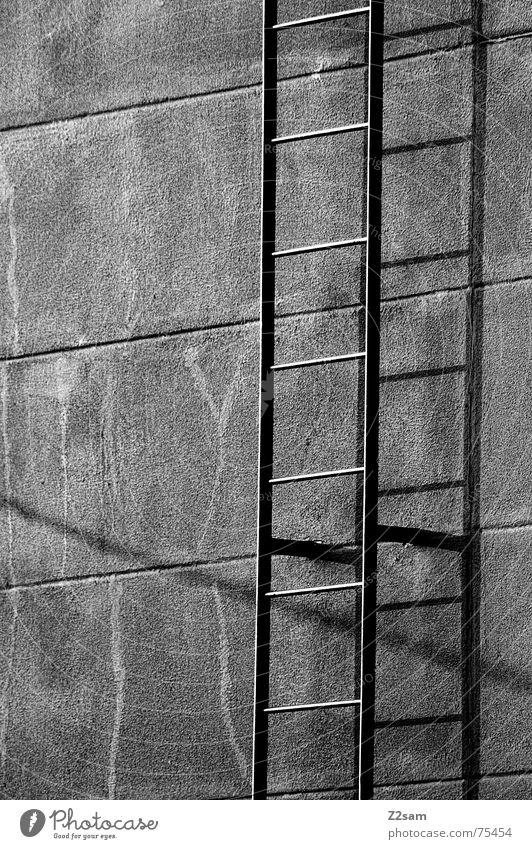fire stairs sw Wand oben Linie Metall Treppe Klettern unten steigen Leiter streben Feuerleiter