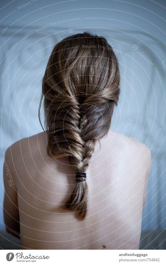 because trees can fly. Mensch Jugendliche nackt schön Junge Frau Erotik 18-30 Jahre kalt Erwachsene natürlich feminin Haare & Frisuren modern ästhetisch warten