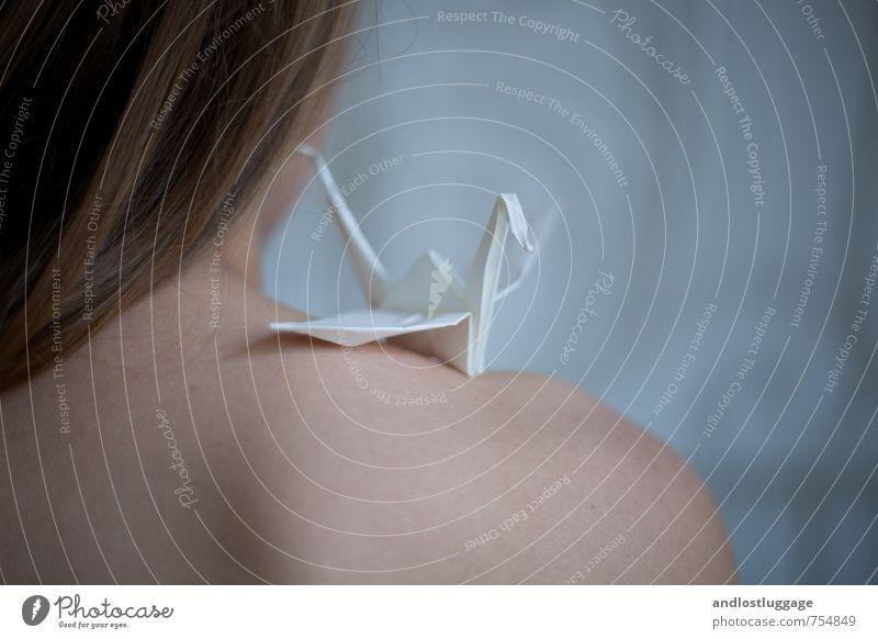 bird song. Mensch Jugendliche blau schön weiß nackt Junge Frau 18-30 Jahre kalt Erwachsene Gefühle feminin Glück Stimmung träumen Design