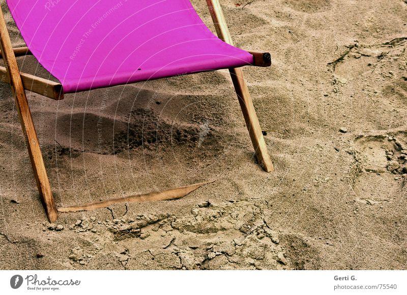 beach life Ferien & Urlaub & Reisen Meer Sommer Strand Spielen Sand Regen Wetter rosa dreckig Fliege nass Stuhl Schönes Wetter Jahreszeiten Sitzgelegenheit