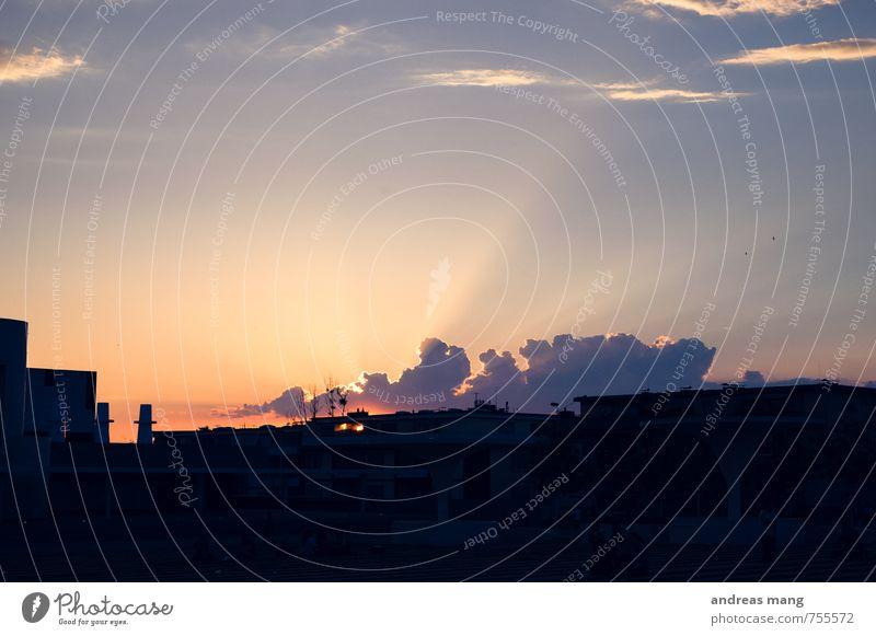 Darmstädter Sonnenuntergang Wolken Sonnenaufgang Sonnenlicht Sommer Stadt leuchten Ferne frei Warmherzigkeit Neugier Hoffnung Glaube Beginn Ende Erwartung
