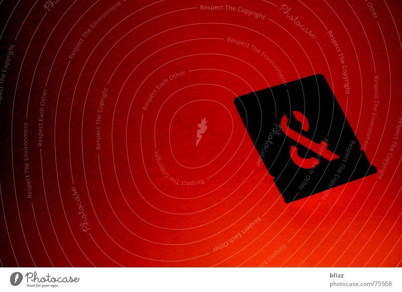 und...? Symbole & Metaphern rot Verlauf Licht Kennwort Zeichen Übergang körnung Kontrast Schatten sign tybe contrast light shadow transition red Typographie