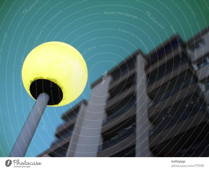 spaceship seventeen Himmel Haus Wand Fassade Weltall UFO Gas Astronaut Ozon Postfach Handy-Kamera