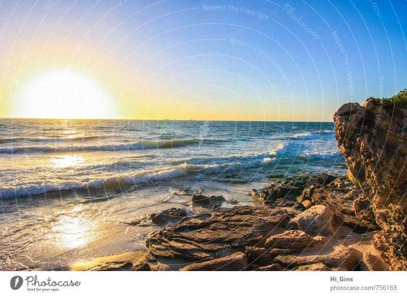 Sunset Landschaft Wasser Himmel Wolkenloser Himmel Horizont Sonne Sonnenaufgang Sonnenuntergang Schönes Wetter Wellen Küste Strand Bucht Meer ruhig Farbfoto