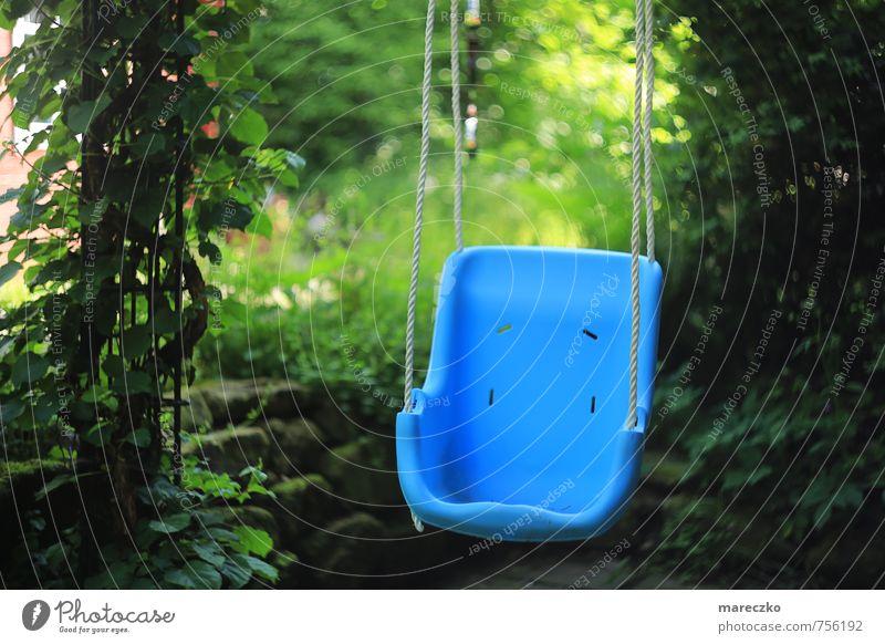 Spielpause Freizeit & Hobby Spielen schaukeln Schaukel Garten Kindererziehung Kindergarten lernen Ruhestand Feierabend Kindheit Bewegung Einsamkeit Ende
