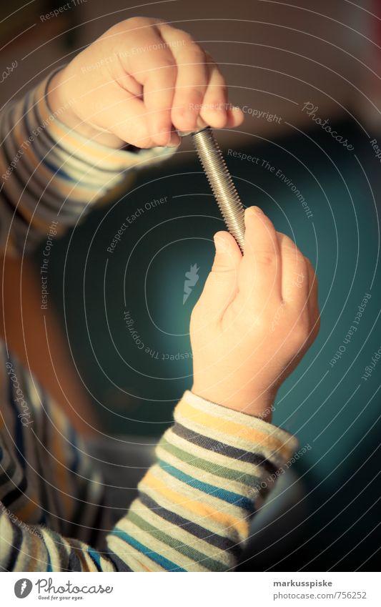 kita feinmotorik übung Mensch Kind Hand Freude Junge Spielen Glück Freizeit & Hobby maskulin Zufriedenheit Kindheit Arme Fröhlichkeit Finger lernen Mutter