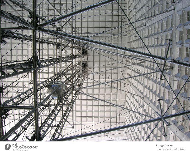 mikado grau Paris Frankreich La Défense Eisen silber fahrstul Glas Baugerüst grand arche modern Architektur