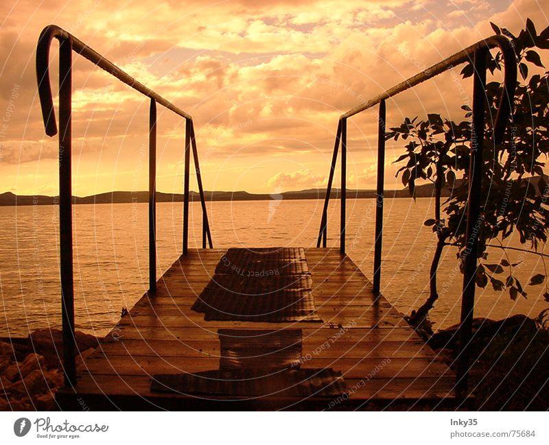 *EINSAMZWEISAM* Meer Romantik Einsamkeit Baum Wolken Reflexion & Spiegelung Ferien & Urlaub & Reisen Himmel rote stunde Treppe Wasser Berge u. Gebirge Natur