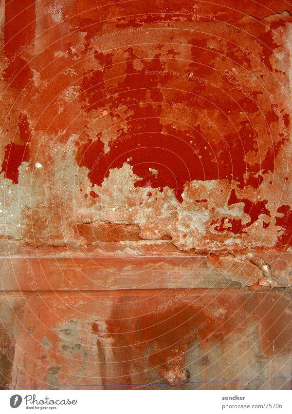 Rotten Red Wand Putz Italien Venedig rot abblättern Vergänglichkeit alt verrotten Farbe