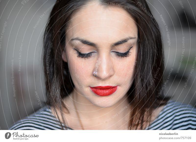 MP76 - When you close your eyes schön Gesicht Kosmetik Lippenstift feminin Junge Frau Jugendliche 1 Mensch 18-30 Jahre Erwachsene Piercing schwarzhaarig