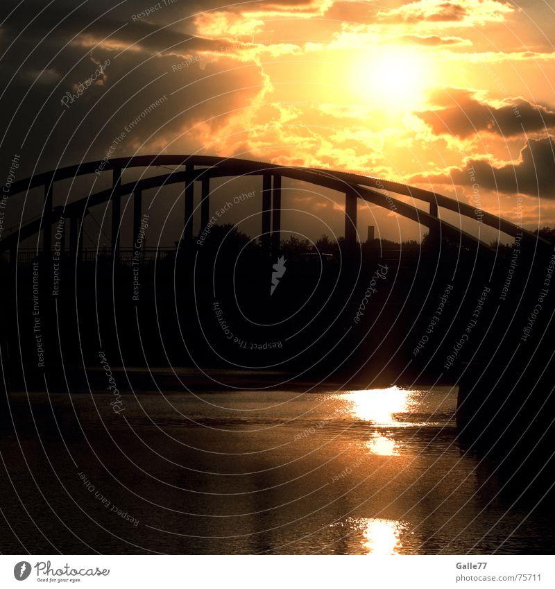 golden sunset Himmel schön Wasser Sonne Freiheit frei Brücke Romantik Sehnsucht himmlisch Gott Erkenntnis Götter