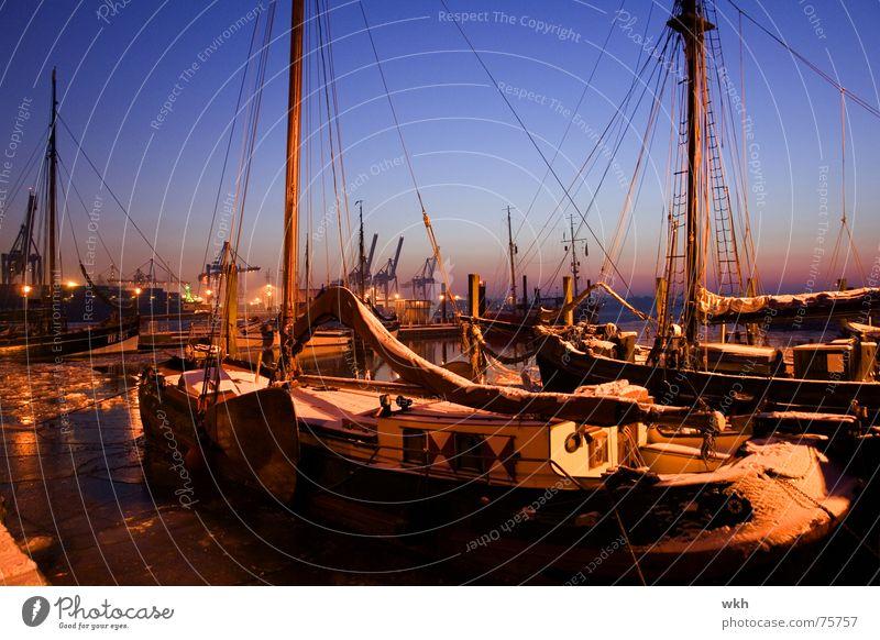 Museumshafen Övelgönne Winter Hamburg Hafen Abenddämmerung Elbe Segelboot Hafenstadt
