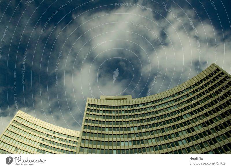 Geschwungene Zwillinge II Haus Hochhaus Arbeit & Erwerbstätigkeit Fenster geschwungen Etage Himmel Stadt Wolken Dach Konstruktion Wolkenformation Rollo windows