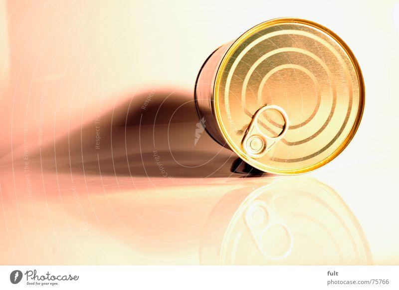 konseverdose Metall liegen geschlossen rund Dose Gully Verschluss Konservendose Erbsensuppe