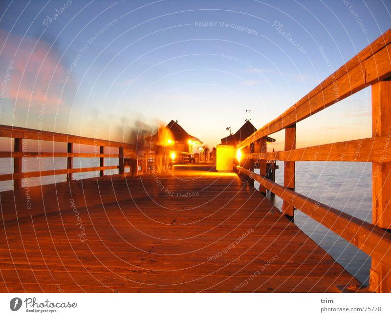 Abends am Pier 2 Mensch Freude Haus Beleuchtung USA Anlegestelle Florida unruhig beleben