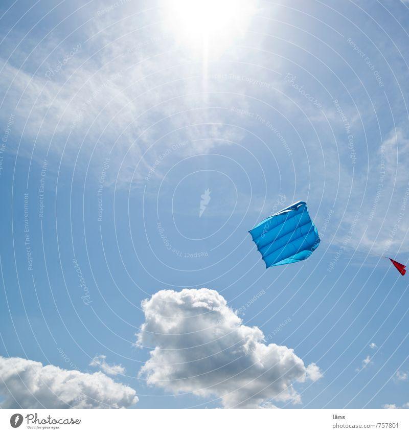 über allem schweben Freizeit & Hobby Drachenfliegen Ferien & Urlaub & Reisen Tourismus Freiheit Strand Himmel Wind festhalten nachhaltig blau Wunsch Lenkdrachen