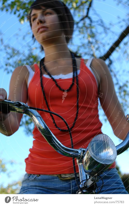 Fahrradfahren... Fahrradlicht schwarz Gürtel Bla orange Kette Himmel