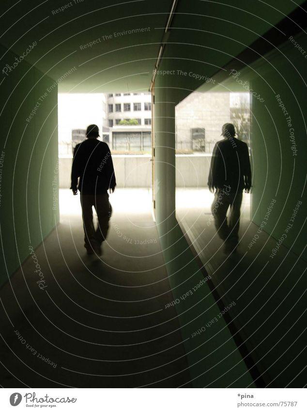 straight on gehen Spiegel Spiegelbild Reflexion & Spiegelung Mann dunkel Trauer Gedanke Denken Raum Selbstportrait Mensch Silhouette Schatten Ende Ziel