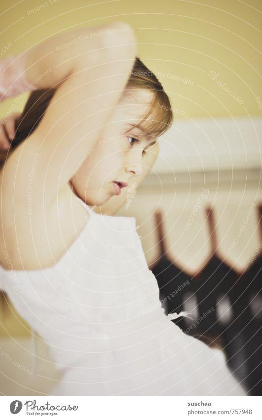 haarekämmen II Mensch Kind Jugendliche schön Junge Frau Mädchen Gesicht Auge Leben feminin Haare & Frisuren Kopf Körper Kindheit Haut Mund