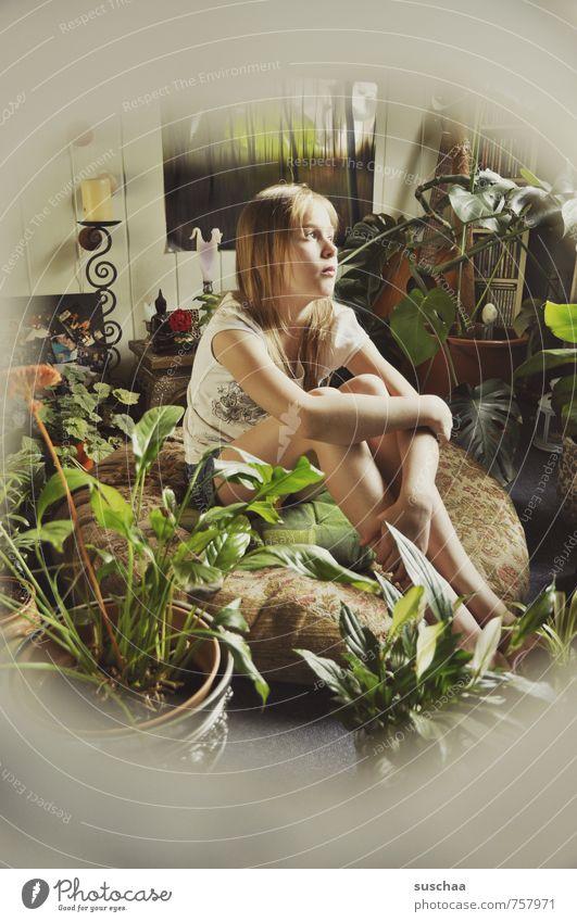 nachdenkecke Wohnung Innenarchitektur Dekoration & Verzierung Raum feminin Mädchen Junge Frau Jugendliche Kindheit Leben Körper Haut Kopf Haare & Frisuren