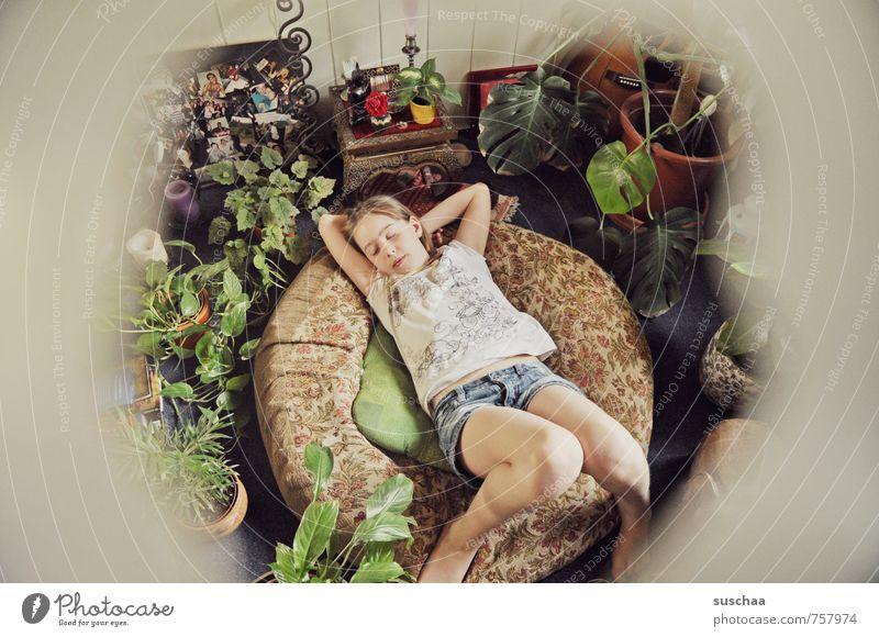 kuschelplätzchen Häusliches Leben Wohnung Innenarchitektur Wohnzimmer Mädchen Junge Frau Jugendliche Kindheit Körper Haut Kopf Haare & Frisuren Gesicht Arme