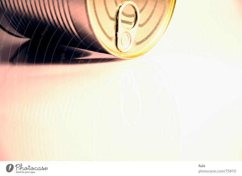 konserverdose2 Metall liegen geschlossen rund Dose Gully Verschluss Konservendose Erbsensuppe
