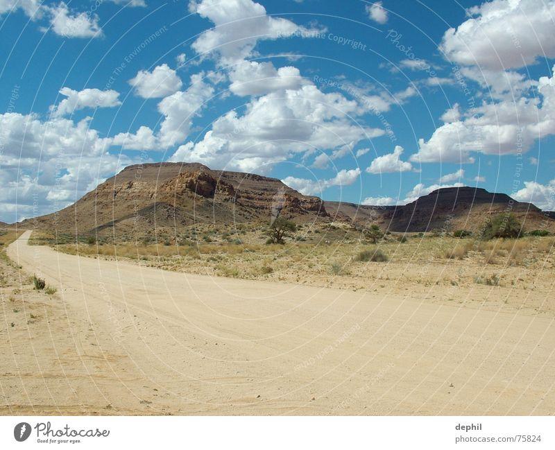 schönes weites land Sträucher Baum Süden Afrika Steppe Physik Namibia Ferien & Urlaub & Reisen Safari Berge u. Gebirge Himmel Sand Straße Landschaft Wärme