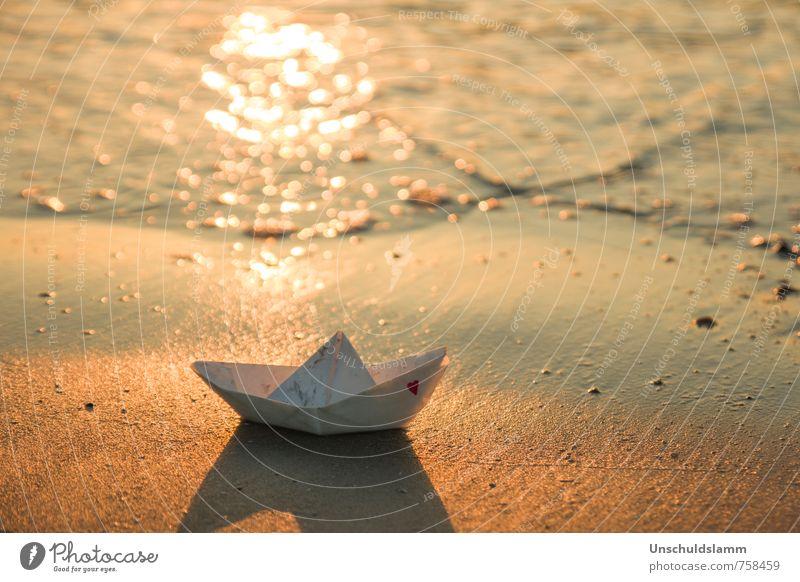 Loveboat Lifestyle Stil Ferien & Urlaub & Reisen Sommerurlaub Hochzeit Umwelt Küste Strand Meer Kreuzfahrt Papier Papierschiff Zeichen Herz Kitsch maritim gold