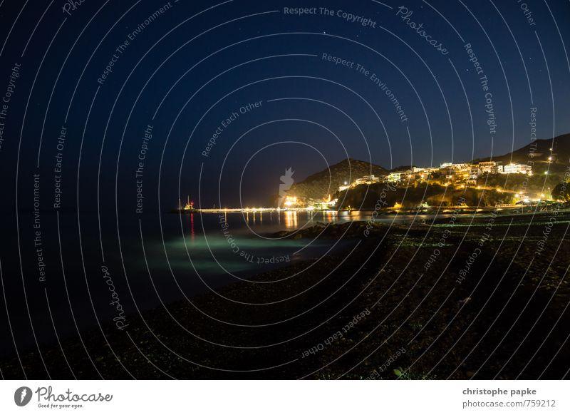 Agia Galini Ferien & Urlaub & Reisen Tourismus Sommer Sommerurlaub Strand Meer Küste Kreta Griechenland Dorf Kleinstadt Hafenstadt Stadtrand Skyline