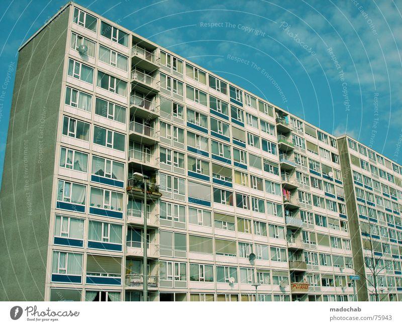 I SEE FACES Himmel Stadt blau Wolken Haus Fenster Leben Architektur Gebäude Freiheit fliegen oben Arbeit & Erwerbstätigkeit Wohnung Design Wetter