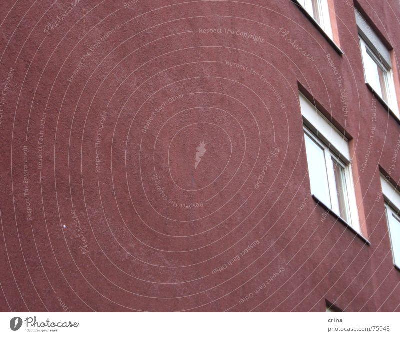 wer ist hier schief? Haus Wand Fenster Rollladen rot violett Glas verrückt Linie Neigung