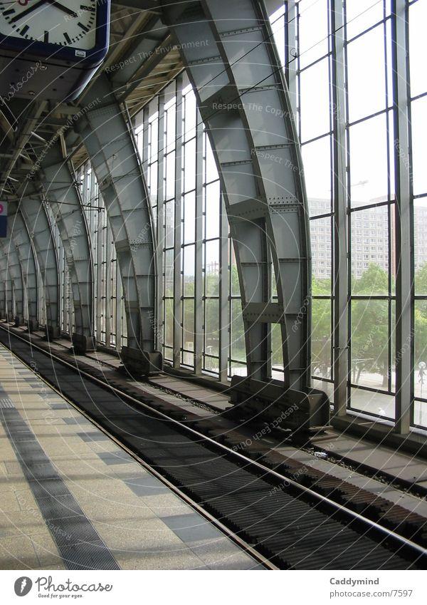 Bahnhof Architektur Glas Eisenbahn Gleise Stahl Konstruktion