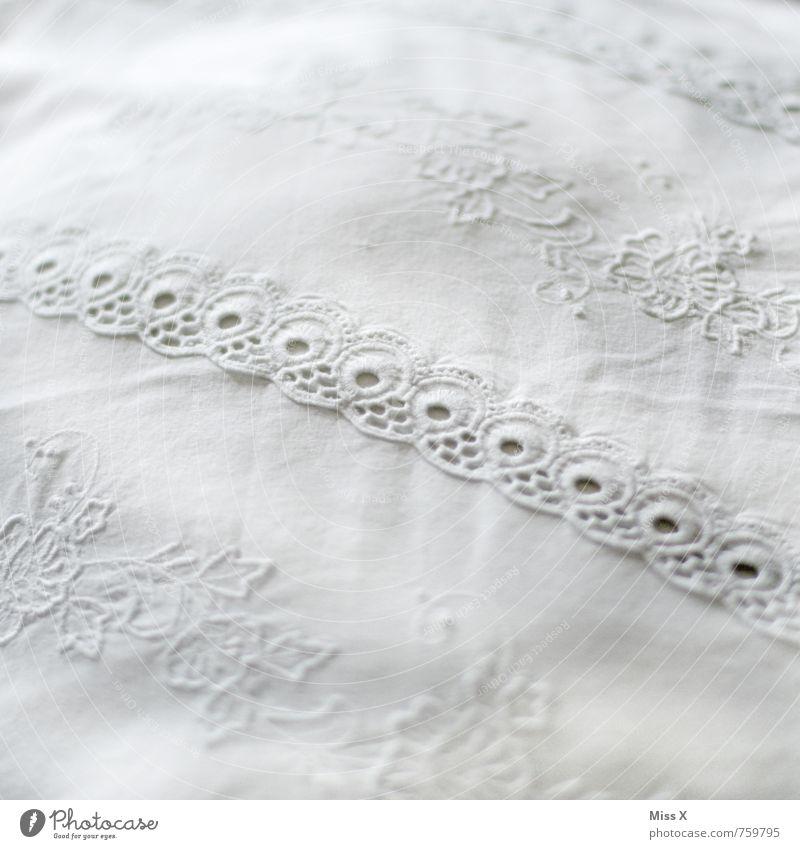 Borte Dekoration & Verzierung Bett Schlafzimmer Stoff weiß Reinlichkeit Sauberkeit Reinheit Spitze Textilien Decke Kissen Kopfkissen verziert Nähen Handarbeit