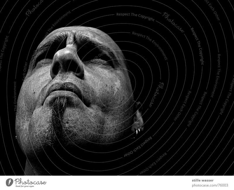 MÜSSIGGANG hm zusätzlich Denken erhaben Mann Bart unrasiert Konzentration Schwarzweißfoto wieso frei mitten im leben nicht Oder denkfalte nachdenken Leben