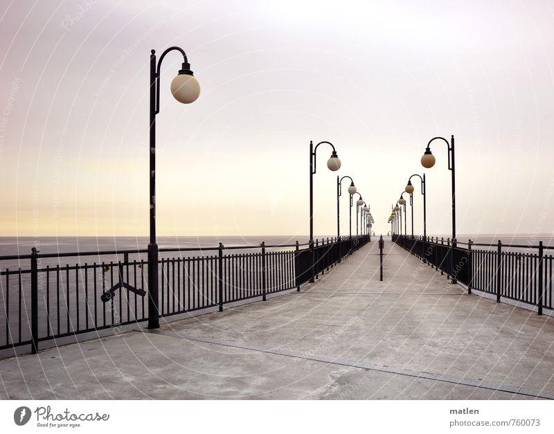 gangway Himmel blau Meer gelb Frühling Küste grau Lampe Horizont Wetter Schönes Wetter Brücke Treppengeländer gerade maritim