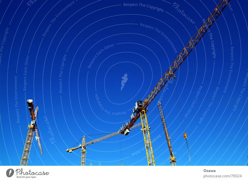 Baukräne Himmel blau Baustelle bauen Kran himmelblau Ausleger