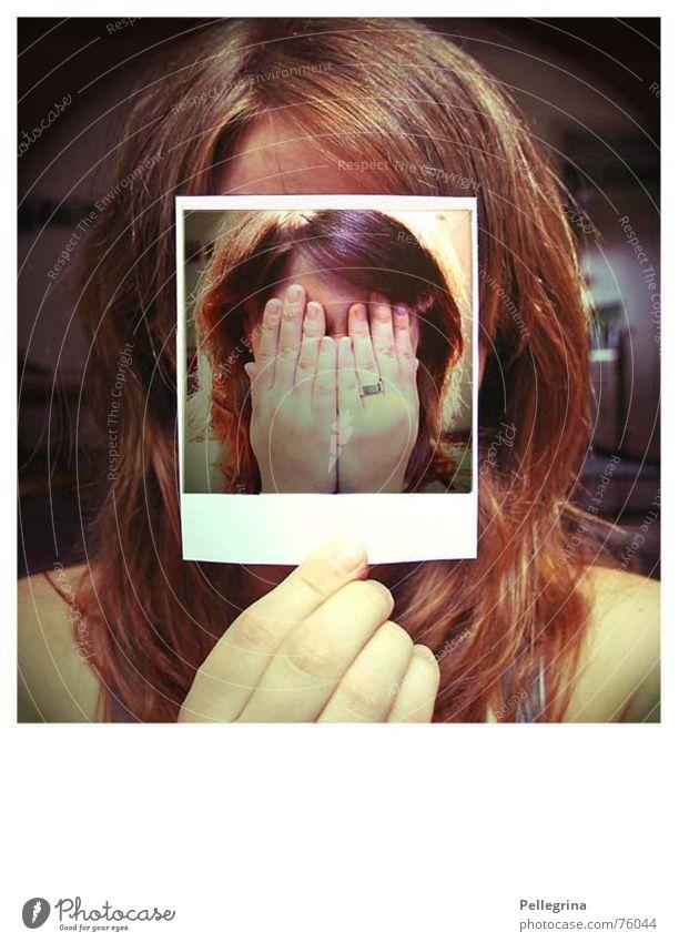 niemand hört mich Gesicht Gefühle Traurigkeit Denken Angst Polaroid Trauer Selbstportrait