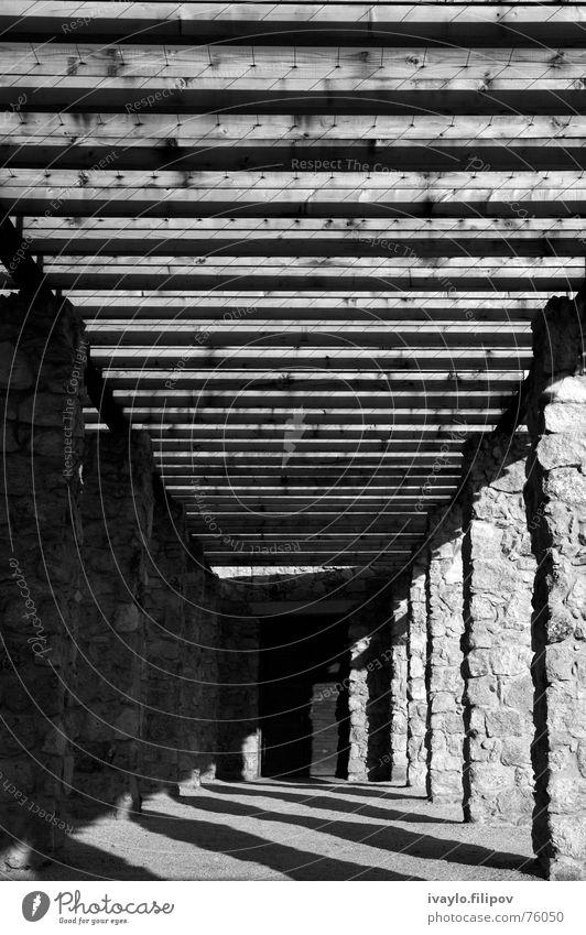 colonade Gate column door stone black & white trellis