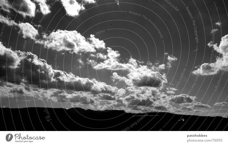 Herbst 06.3 Wolken strahlend schlechtes Wetter dunkel Hügel Alb Schwäbische Alb Ferne Außenaufnahme Landschaft Low Key hell ziehende wolken Himmel Natur