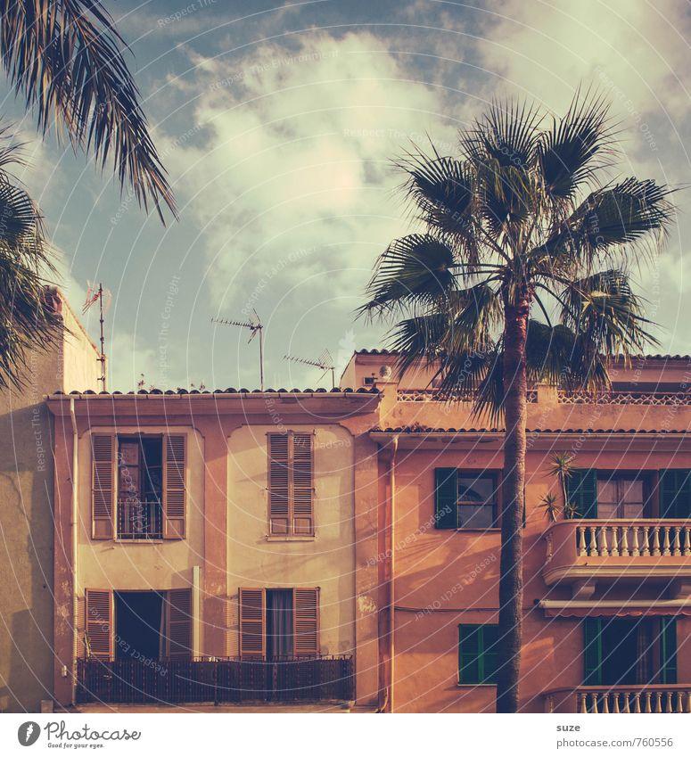 Hafenflair Ferien & Urlaub & Reisen Sommer Haus Fenster Reisefotografie Architektur Gebäude Stil Fassade Lifestyle Tourismus authentisch Spanien malerisch Balkon Paradies