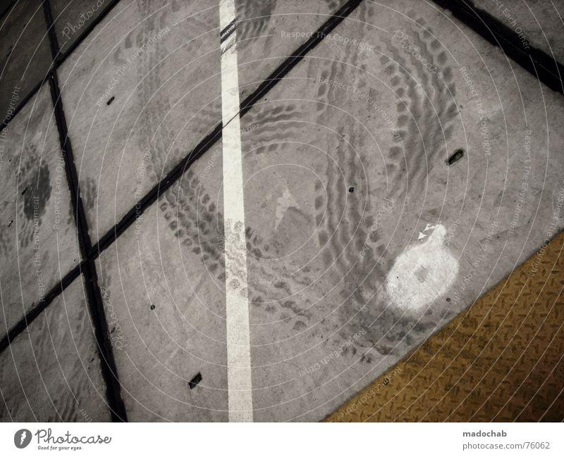 STREET INTERLUDE TWO | grafik grafics tracks spuren pfeile Asphalt grau unten Fußgänger Verkehr trist Muster Hintergrundbild Strukturen & Formen Quadrat