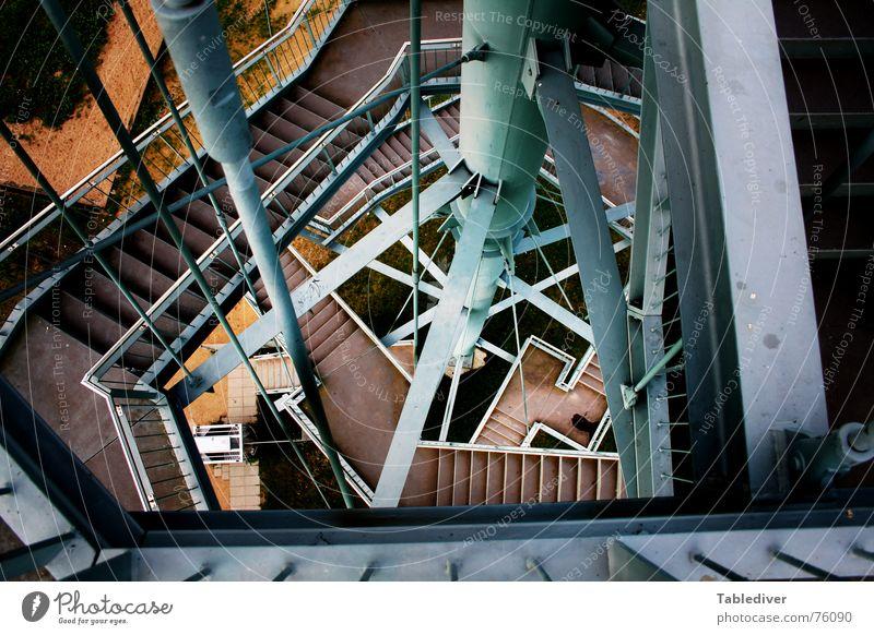 __________________________ II (Titel selbst eintragen) Metall Treppe Industriefotografie Turm Konstruktion Eisen Irrgarten Babylon