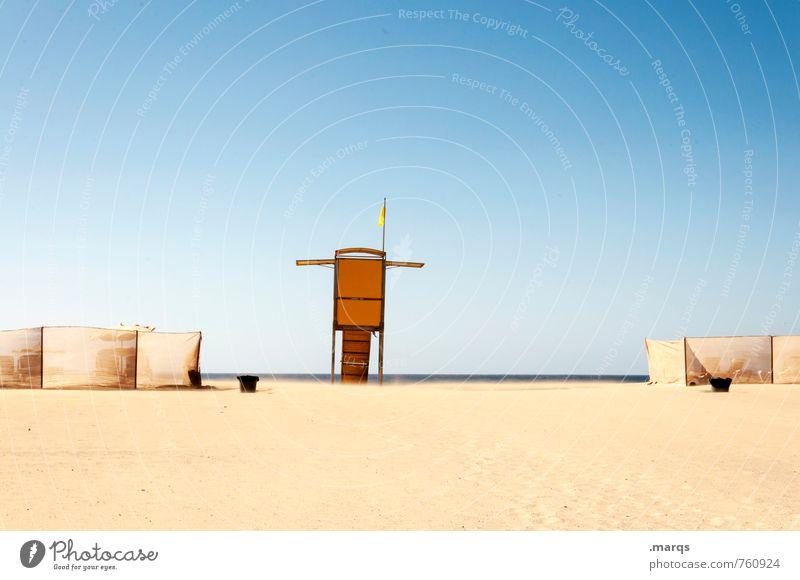 Am Strand Ferien & Urlaub & Reisen Erholung Einsamkeit ruhig Wärme hell Sand Horizont Tourismus Schönes Wetter Wolkenloser Himmel Sommerurlaub Aussichtsturm