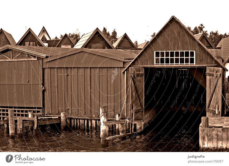 Bootshäuser Haus oben Holz See Wasserfahrzeug Tür leer Dach Hafen Spitze Tor Hütte Strommast Pfosten Darß Bootshaus