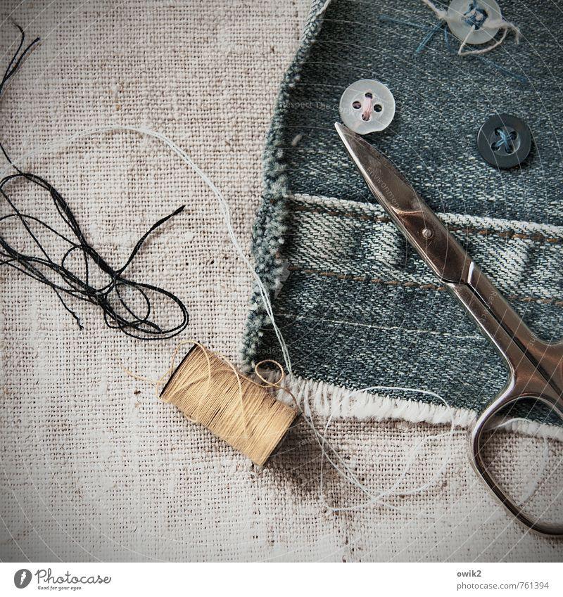 Handwerk Basteln Nähen Näherei Handarbeit Schere Nähgarn Knöpfe Jeansstoff Werkzeug Arbeit & Erwerbstätigkeit dünn authentisch fest klein nah Textilien Stoff