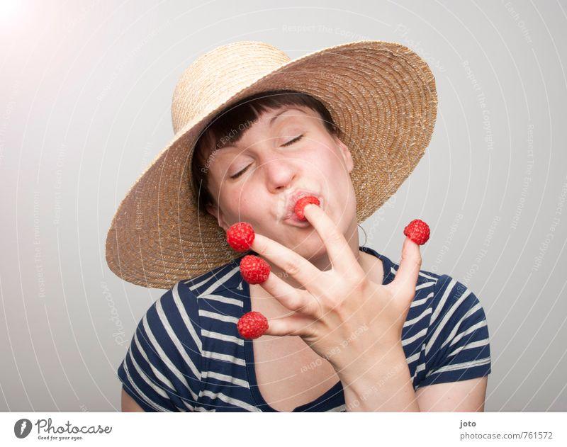 himbeerschmaus Jugendliche Sommer Junge Frau Freude Gesunde Ernährung Leben Glück Gesundheit Essen Lebensmittel Zufriedenheit Frucht frisch Lächeln genießen