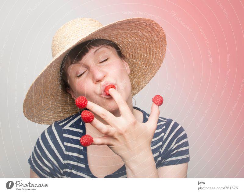 himbeerschmaus III Frucht Essen Vegetarische Ernährung Freude Glück Gesundheit Gesunde Ernährung Wohlgefühl Zufriedenheit Freizeit & Hobby Sommer Junge Frau