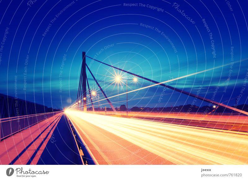 Startbahn Brücke Verkehr Verkehrswege Straßenverkehr Autofahren Autobahn hell Stress Farbe Wachstum Farbfoto mehrfarbig Außenaufnahme Menschenleer Abend